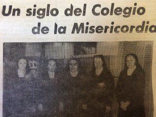 """Sor María Teresa Abad, la """"Hermana Piedad"""", en compañía, de otras religiosas del Colegio Nuestra Señora de la Misericordia, en el año 1982, al cumplirse el centenario de la llegada a Chivilcoy."""