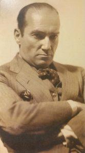 El gran pintor inglés, Stephen Robert Koek Koek (1887-1934), quien residió en nuestra ciudad de Chivilcoy, durante la década de 1920, dejando recuerdos imborrables, de su presencia artística y bohemia.