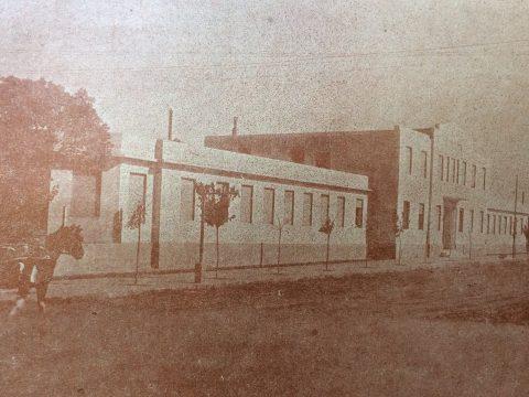 Fachada del Hospital Municipal de Chivilcoy, en el año 1937.