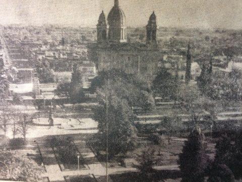 Vista panorámica de la plaza 25 de Mayo de nuestra ciudad (Enero de 1969).
