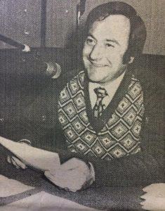 """El conocido y destacado locutor y animador chivilcoyano, Alfonso A. Lombardo, quien, entre otras importantes actividades y realizaciones, en la década de 1960, desarrolló por la emisora capitalina LS 2 Radio Porteña, la difundida audición """"Chivilcoy en el Dial"""". También, hacia 1916, por Radio Belgrano, llevó a cabo el programa """"Notas de Humanidad"""", con libretos del inspirado e inolvidable poeta, escritor y periodista chivilcoyano, Alberto L. Boluntieri."""