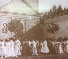 Antigua y querida capilla en honor, de la Virgen, Nuestra Señora del Carmen, inaugurada el 19 de julio de 1896. Se derrumbó, el 16 de octubre de 1945. Se encontraba, en el mismo lugar, donde hoy, se levanta, el actual templo del Carmen, que se inauguró el 22 de octubre de 1949.