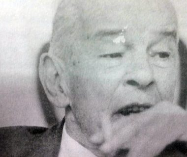 El caracterizado y prestigioso, abogado, dirigente político, docente, periodista y hombre público chivilcoyano, Dr. Francisco José Falabella (1920-1998), comisionado municipal de nuestra ciudad, entre los meses de marzo y junio de 1957.
