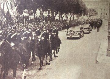 El presidente de la Nación, general Juan Domingo Perón, dirigiéndose en automóvil, desde el Congreso Nacional a la Casa Rosada (Mayo de 1948).