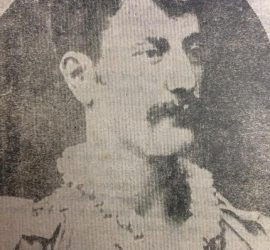 El gran actor y libretista,  José Podestá, en un retrato del año 1880, cuando se desempeñaba, como trapacista de la compañía circense.