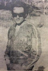 """El actor chivilcoyano, José María Pommarés, en una secuencia de la película nacional """"Piloto de pruebas"""", estrenada en el cine Savoy, de nuestra ciudad, el 6 de abril de 1972."""
