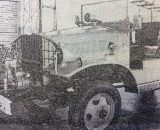 Antiguo autobomba  de la institución, que data del año 1947, toda una preciada y valiosa reliquia histórica.