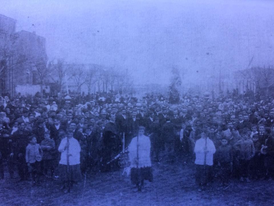 Antigua procesión de la Virgen del Carmelo, correspondiente a la década de 1920.