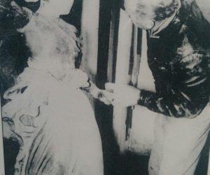 El polifacético e inolvidable artista plástico y hombre de la cultura chivilcoyana Antonio Donato Ginnetty (1916-1977), quien hubo de restaurar, la estatua de la Diosa Hebe, durante la década de 1960; una verdadera y extraordinaria hazaña, digna del mejor recuerdo y el mayor homenaje.