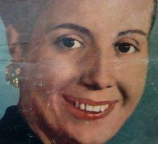 La inmortal Eva Duarte de Perón, la «Abanderada de los Humildes». Nacida el 7 de mayo de 1919, falleció, prematuramente, a los 33 años de edad, el 26 de julio de 1952. Su padre, Don Juan Duarte, era chivilcoyano: Había nacido, el 1 de noviembre de 1858, y falleció el 8 de enero de 1926. Los restos de Don Juan Duarte, descansan en una bóveda familiar, en el cementerio municipal.