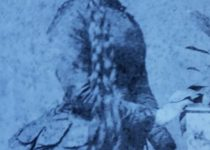 La señorita Elena Villarino, una de las hijas del ilustre fundador y pionero chivilcoyano, Don Manuel Villarino. Fue maestra de grado, y ejerció la docencia, en la Escuela primaria Nº 3 «Dr. Nicolás Avellaneda».