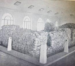 Reliquias históricas, de la casa, donde nació el General San Martín, en Yapeyú; las cuales, están rodeadas, por un templete protector.