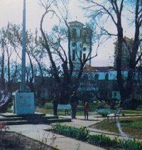 El templo, de la Parroquia Nuestra Señora del Carmen, donde se encuentra entronizada, en unos de sus altares, la imagen de San Egidio Abad.