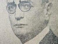 El notable jurisconsulto, dirigente político y hombre público chivilcoyano, Dr. Luis Grisolía (1885-1951), quien donó el busto, de Don Vicente Domingo Loveira.