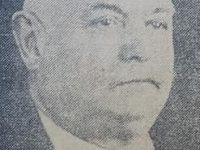 El respetable y prestigioso vecino local, Don Nicolás Vicente Grisolía (1875-1961), quien donara, generosamente, el busto, del caudillo Don Vicente Domingo Loveira, inaugurado en 1941.