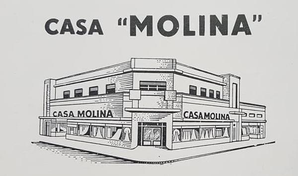 """Dos tradicionales comercios de antaño: La tienda """"San Jorge""""(1916) y la """"Casa Molina"""" (1921)."""