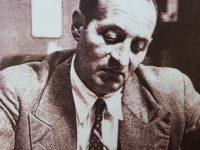 En notable y siempre recordado, poeta y escritor gauchesco, Boris Elkin (1905-1952). Fue el administrador y el gerente, del semanario «Notas», aparecido el 12 de noviembre de 1931.