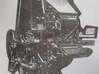 Antigua Linotipo, del diario La Razón, incorporada a los talleres gráficos de dicho matutino, en 1928.