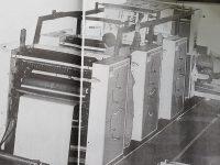 Moderna máquina impresora, del matutino La Razón, en la sede de sus talleres gráficos, ubicada sobre la avenida Güemes, al 600.