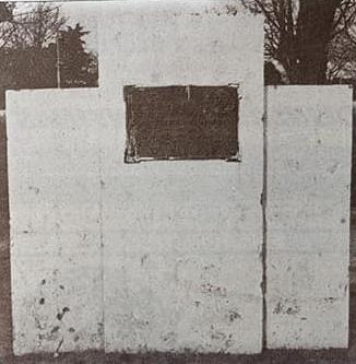 Inauguración de la calle y el monolito, del profesor Alejandro Mathus (1951).