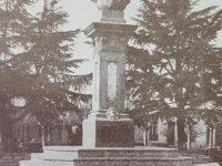 Busto del Gral. Bartolomé Mitre, en el centro de la plaza homónima; una obra del gran escultor español, radicado en la Argentina, Torcuato Tasso Nadal (1855-1935), inaugurada el 22 de octubre de 1907, con motivo del 53 aniversario, de la fundación, de nuestra ciudad de Chivilcoy.