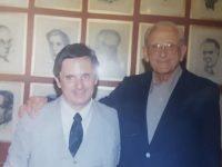 """Carlos Armando Costanzo y Alfredo Antonio Astarita (1932-2015), cuando asumieron, como miembros, correspondientes y """"Honoris Causa"""", de la Academia Porteña del Lunfardo, el 21 de diciembre de 2009."""