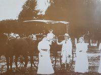 Imagen de la estancia «Las Palmeras», donde nació el poeta Carlos Ortiz, el 27 de enero de 1870, en una antigua fotografía, del año 1900.