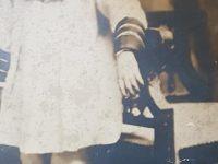 El poeta y periodista, Francisco Ernesto Palmentieri, en una antigua y amarillenta estampa fotográfica, de los años, de su niñez, en la década de 1910.
