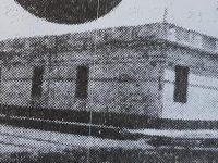 Colegio de nuestra señora de la Misericordia, en la intersección de las calles, 9 de Julio y Gral. Paz. Delante de dicho establecimiento educativo atravesaban las vías férreas, registrándose el paso  del tren, que partía o llegaba, a la vieja y ya desaparecida Estación Norte.