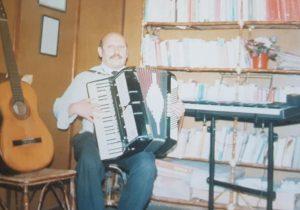 El polifacético y destacado, músico, compositor y docente, profesor Derlis Herbón, todo un auténtico y verdadero maestro, de muchas generaciones chivilcoyanas.