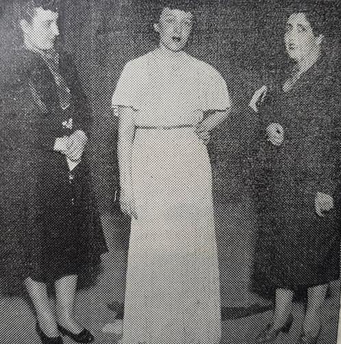 La poetisa, escritora, música y docente, Carmen Mundo (1910 – 1962).