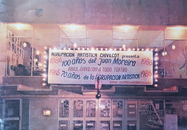 """La gran celebración, de los cien años del """"Juan Moreira"""" y el 70 aniversario de la Agrupación Artística Chivilcoy (1986)."""