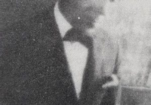 El notable pintor español, radicado en Chivilcoy, Don Juan Navarro Granados (1882-1959), primer presidente de la Agrupación Artística Chivilcoy, electo por asamblea, el 17 de septiembre de 1916.
