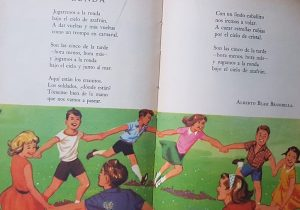 """Ilustraciones en colores, del libro de lectura, par escuela primaria """"Entre tú y yo"""", editado en 1965; donde aparece una página, dedicada a nuestra ciudad de Chivilcoy, y específicamente, a la plaza España, inaugurada el 22 de octubre de 1940."""