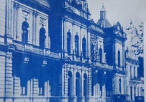 Estampa fotográfica de Chivilcoy, de 1932, cuando se produjo, la curiosa y llamativa lluvia de ceniza, sobre nuestra ciudad.