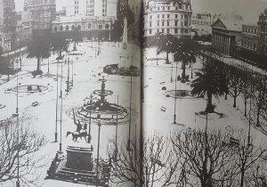 Estampa fotográfica, del centro de Buenos Aires, cuando se produjo la famosa nevada, en forma simultánea con Chivilcoy, el 22 de junio de 1918.