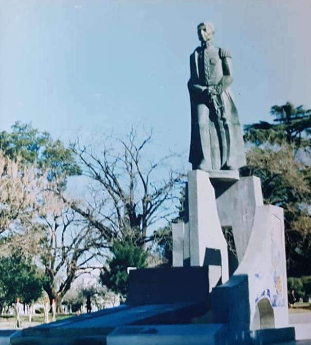 La inauguración del monumento al General San Martín, en Chivilcoy, el 17 de agosto de 1979.