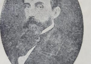 Retrato del ilustre fundador y pionero lugareño, Don Manuel Antonio del Carmen Villarino, quien realizó, el magnífico y admirable trazado, de nuestra ciudad de Chivilcoy, en 1855. Había nacido, en Buenos Aires, el 17 de junio de 1815, y falleció en la Capital, el 25 de enero de 1868.