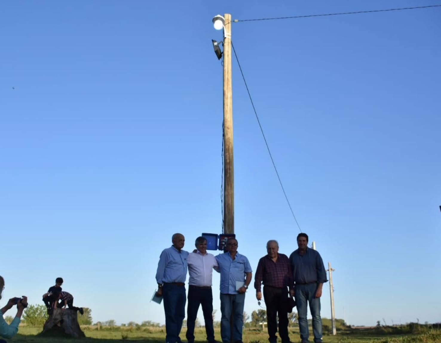 La localidad rural de Henry Bell. La inauguración del tendido de la línea eléctrica (2018).