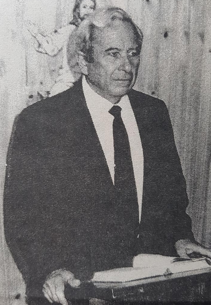 Don Luis Ricardo Hinojosa, el gran maestro y decano, de la relojería chivilcoyana.