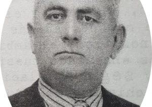Foto juvenil, de Don Simón Vásquez, fundador y director del diario «La Razón», durante un aarduo y prolongado período, de cuatro décadas. Había nacido, el 19 de febrero de 1879, y falleció, a los 71 años de edad, el 21 de agosto de 1950.