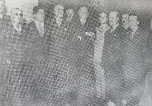 El Dr. Alejandro Osvaldo Suárez, con otros dirigentes y militantes radicales chivilcoyanos, visitando al Dr. Marcelo T. de Alvear, en Buenos Aires, el 14 de noviembre de 1935.