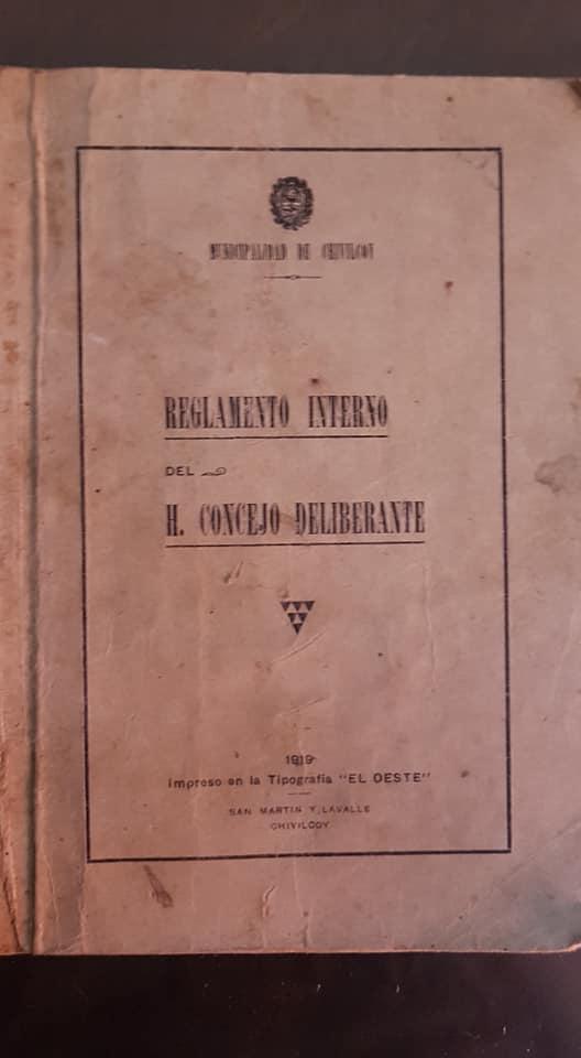 Un Reglamento interno del Honorable Concejo Deliberante de Chivilcoy, sancionado en 1918 y editado en 1919.