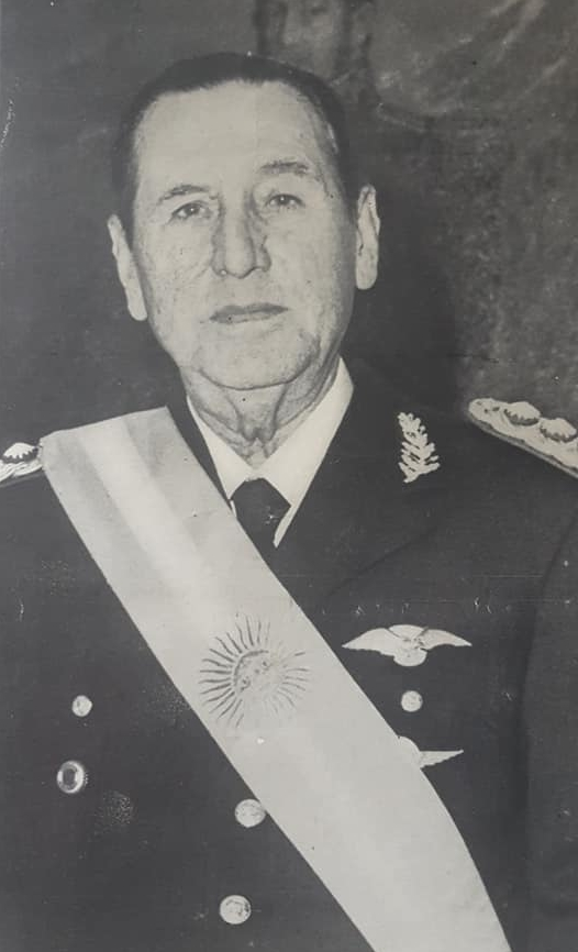 El fallecimiento del teniente general Juan Domingo Perón, el lunes 1 de julio de 1974. Los homenajes tributados en Chivilcoy, al ex presidente de la Nación.