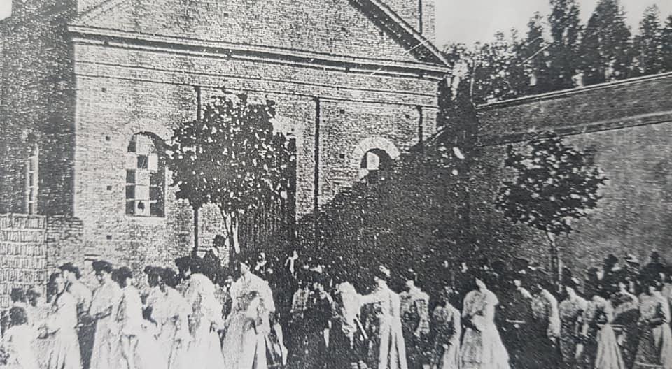 La declaración de Parroquia Nuestra Señora del Carmen, el 16 de julio de 1937. La festividad patronal, del 16 de julio de 1949, hace ya, 70 años transcurridos…