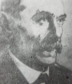 Don Juan Navarro Caballero, padre de Don Juan Navarro Granados, y primer director del elenco, de la Agrupación Artística Chivilcoy, fundada el 21 de abril de 1916.