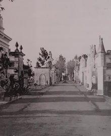 El viejo y siempre recordado Cementerio de Chivilcoy, que se habilitó en 1865, y desapareció, al inaugurarse el actual Cementerio Municipal, el 6 de noviembre de 1893. Se hallaba ubicado, en el sector geográfico de la avenida 22 de Octubre, la Escuela primaria Nº 33, «Dr. José León Suárez», y el pintoresco e inolvidable Barrio del Pito.