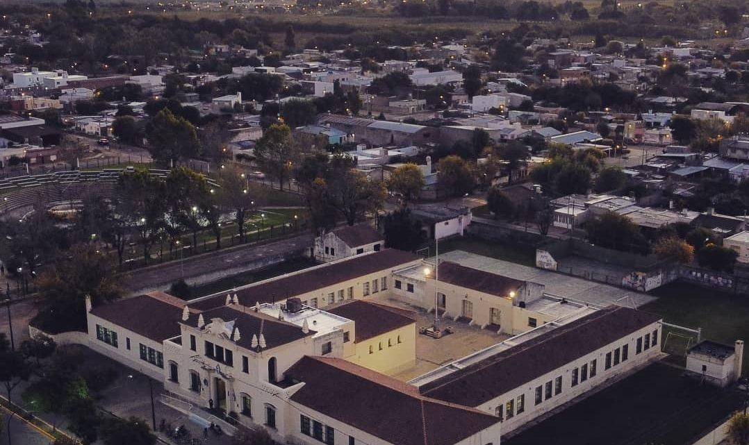 """El Colegio Nacional """"José Hernández"""", de Chivilcoy"""