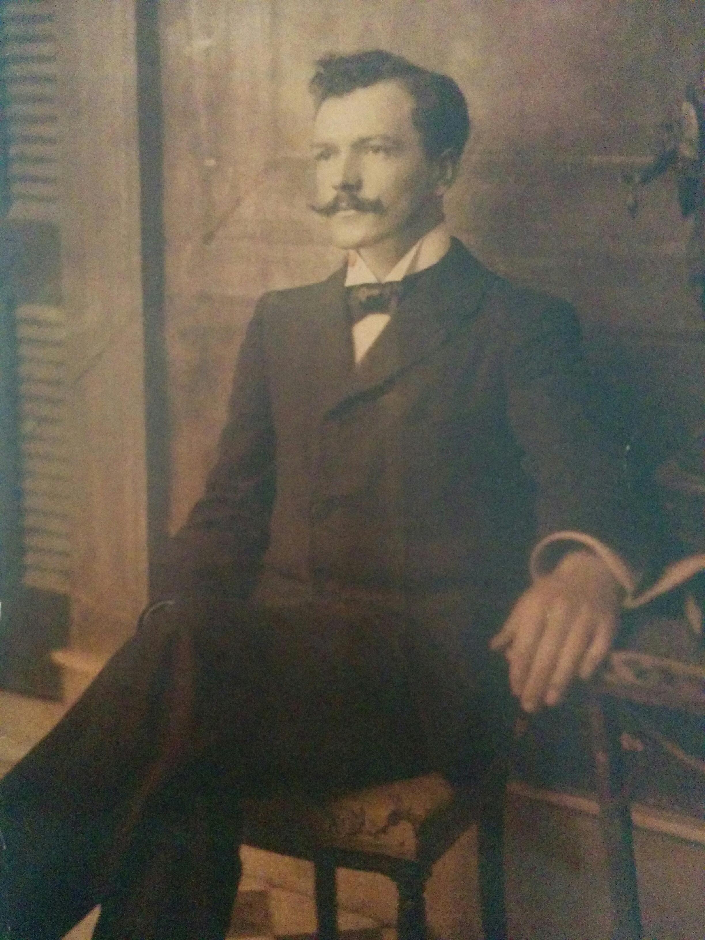 Los 110 años, de la trágica muerte del poeta Carlos Ortiz, en 1910.