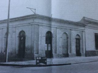 Tradicional Esquina, de las calles Belgrano y Deán Funes, donde se presentó, por vez primera, Carlos Gardel, el 6 de abril de 1912.